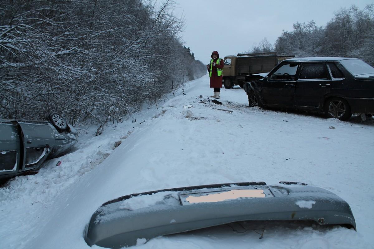ВДТП наскользкой дороге Шексна— Сизьма умер человек